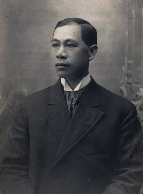 Hong Yen Chang portrait